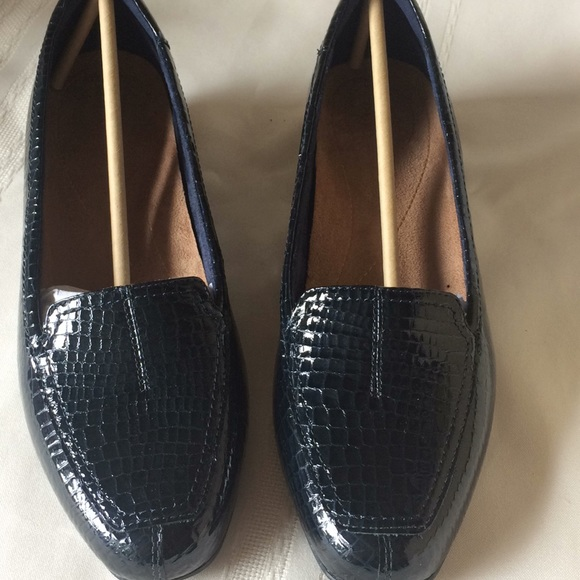 e3992aa98ea Navy blue loafers